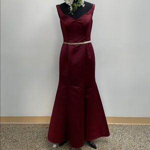 SAMPLE Bill Levkoff wine formal dress. Size 12